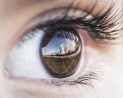你知道乾眼症成因嗎?